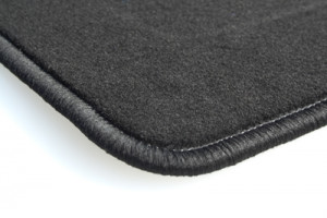 Tapis Vw Golf 5 (fix Ovales Nr 13)(2003-2009) – Velours Luxe Noir